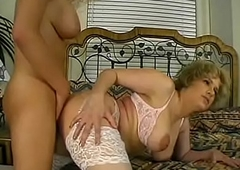 Shemale &amp_ Girl Stuffing Each Others