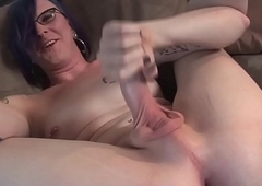 Variant tgirl wanks solo on casting couch