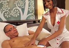 Black tranny nurse buttfucked away from specimen