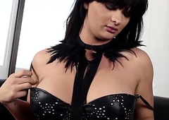 Kinky shemale in corset jerking off off