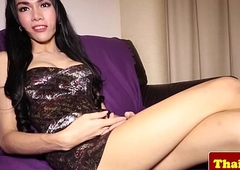 Young ladyboy trannie knows how to ragging